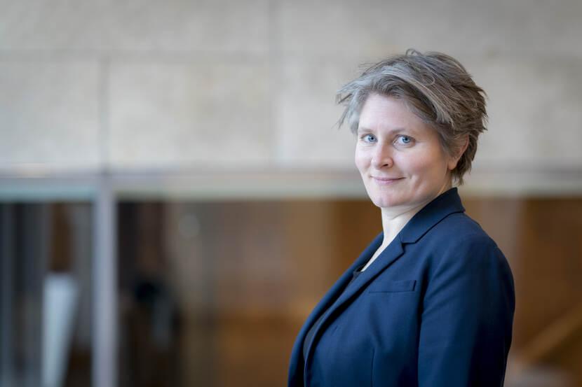 Dr. L.S. (Lisette) Kuyper